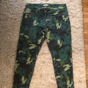 Flower camo cropped jeans